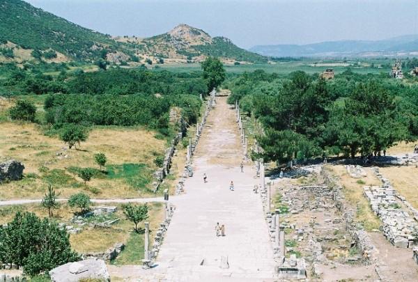 Selcuk Selcuk Ephesus Ancient road 1 1 600x405